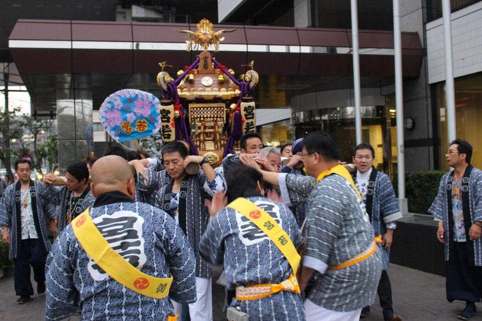 「地域社会貢献」心のこもったおもてなし 驚神社例大祭